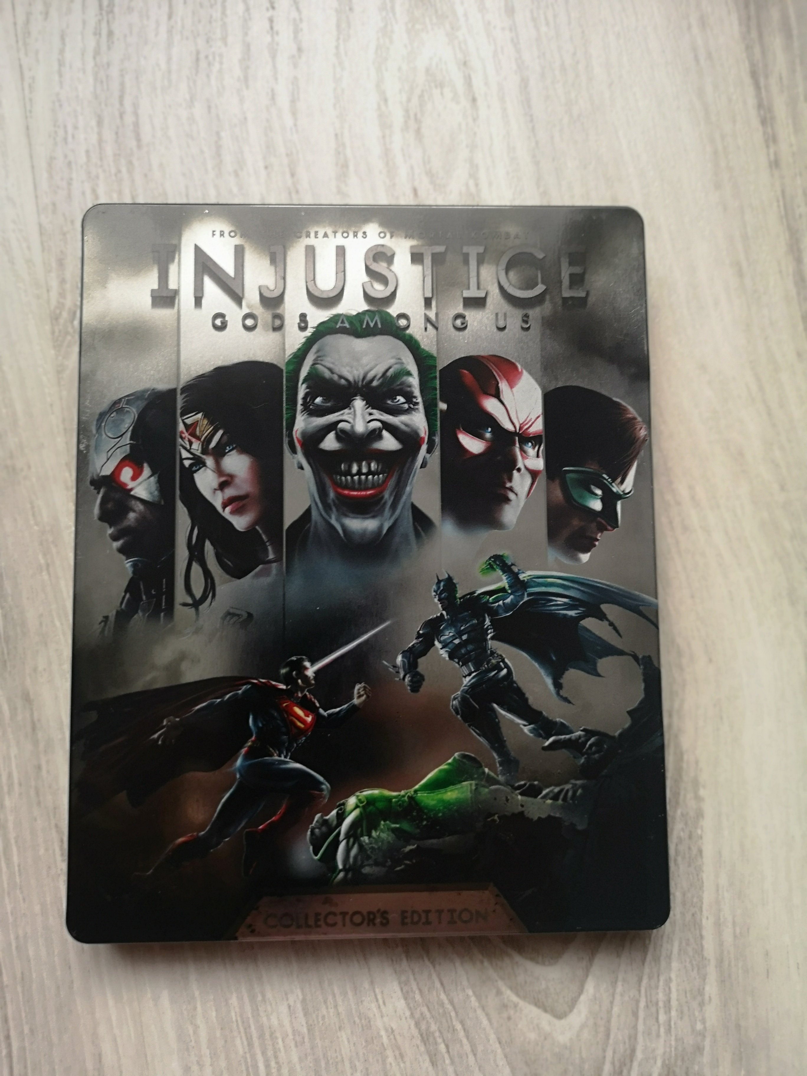 Injustice: Gods amoung Us [Collector's Edition,  játék + Steelbook]
